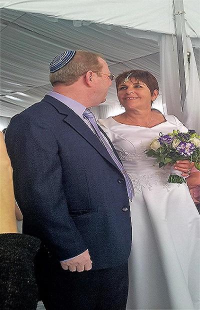 בחתונה