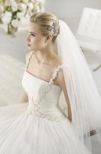 robe-mariage-fine-bretelle