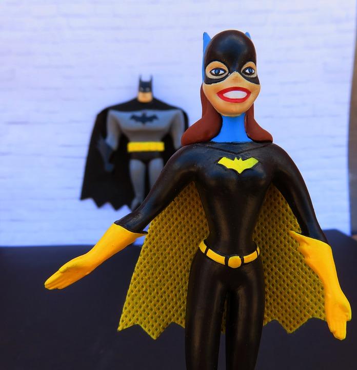 אשה חזקה זה לא רק בספרי הקומיקס, זו את, זו החברה שלך, אלו כולנו - יום יום.