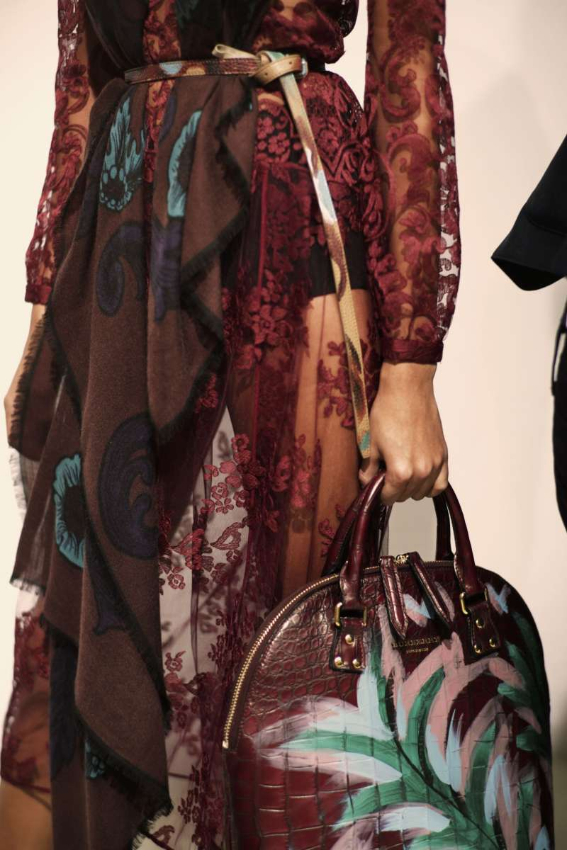 resized_Backstage at the Burberry Prorsum Womenswear Autumn_Winter 2014 Show in Londo_003