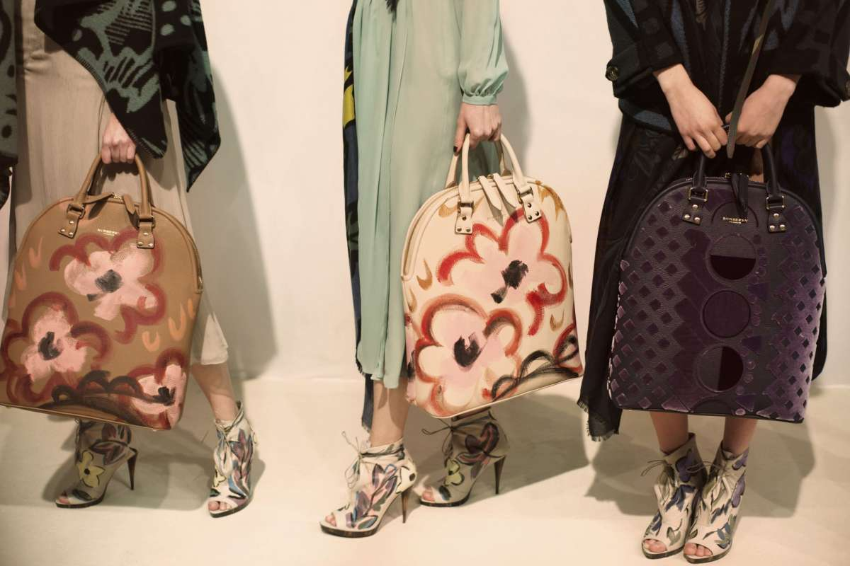 resized_Backstage at the Burberry Prorsum Womenswear Autumn_Winter 2014 Show in Londo_004