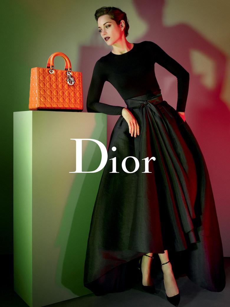 Marion-Cotillard-et-le-Lady-Dior_exact780x1040_p