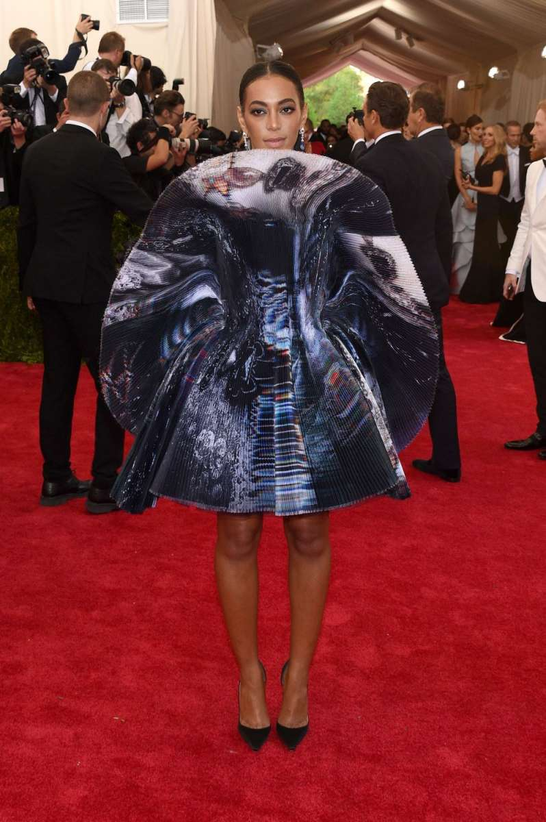 resized_SOLANGE KNOWLES