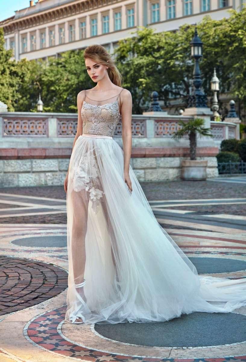 גליה להב 24,500שח קנייה, 15,000שח להשכרה צילום  גרג סוואלס Luxury Ready to GALA  Wear Bridal Collection  (28)