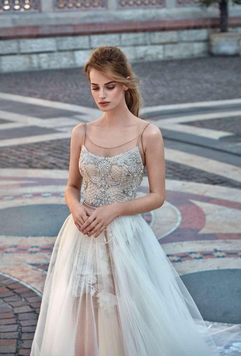 גליה להב 24,500שח קנייה, 15,000שח להשכרה צילום  גרג סוואלס Luxury Ready to GALA  Wear Bridal Collection  (31)