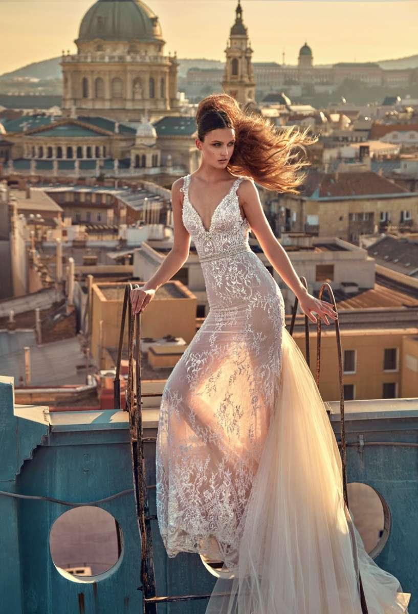 גליה להב 24,600שח קנייה, 14,300שח השכרה צילום  גרג סוואלס Luxury Ready to GALA  Wear Bridal Collection  (18)