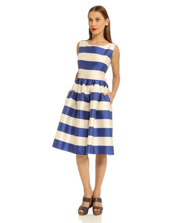 סיליז אאוטלט אונליין- שמלת קלוש מפוספסת. 1095שח במקום 2190שח צילום אבי ולדמן (2)