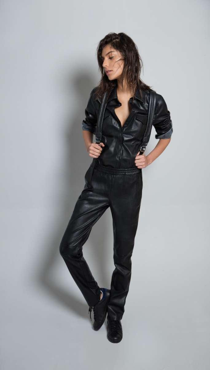גולברי מחיר מכנסיים 299.90 חולצה 299.90 שח צילום יניב אדרי