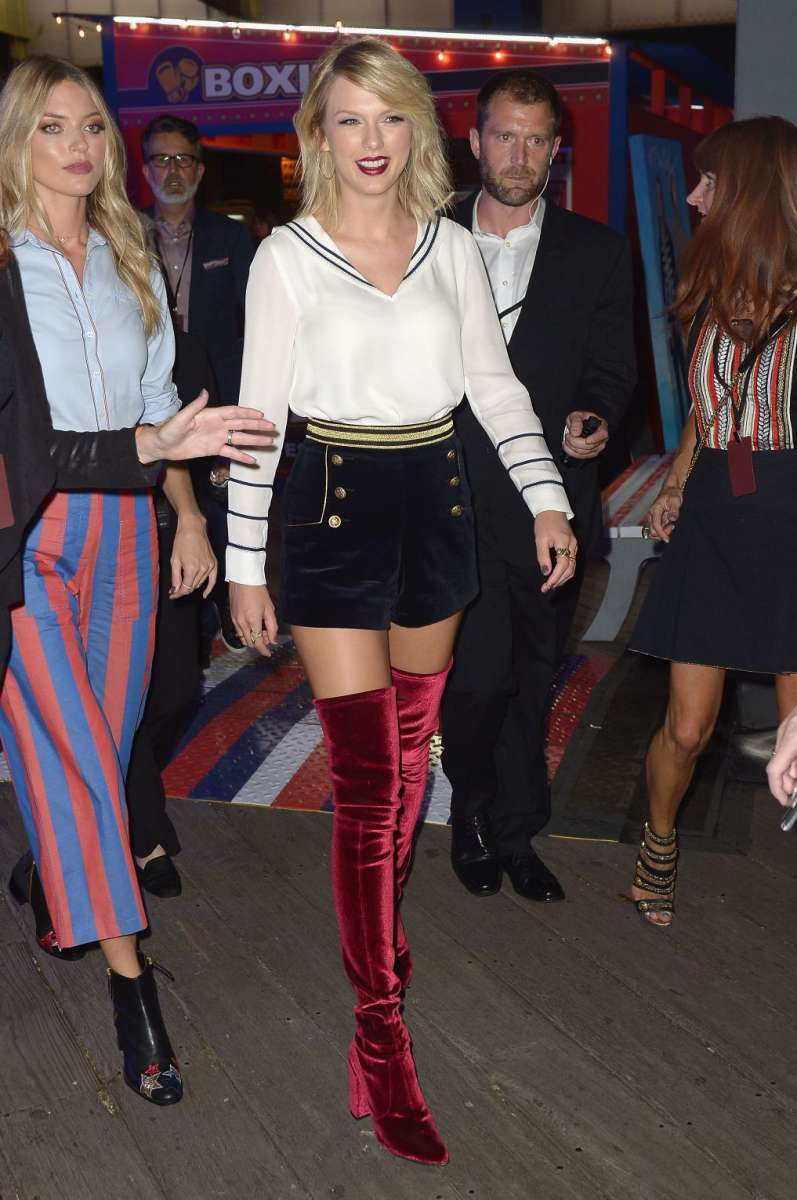 resized_טומי הילפיגר תצוגת סתיו חורף 16-17 בשבוע האופנה בניו יורק צילום יחצ חול (12)