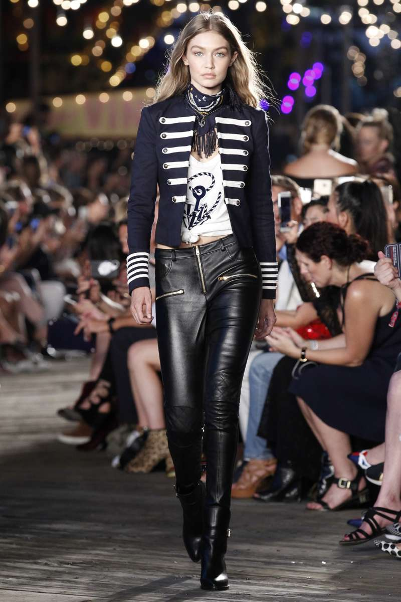 טומי הילפיגר תצוגת סתיו חורף 16-17 בשבוע האופנה בניו יורק צילום יחצ חול (1)