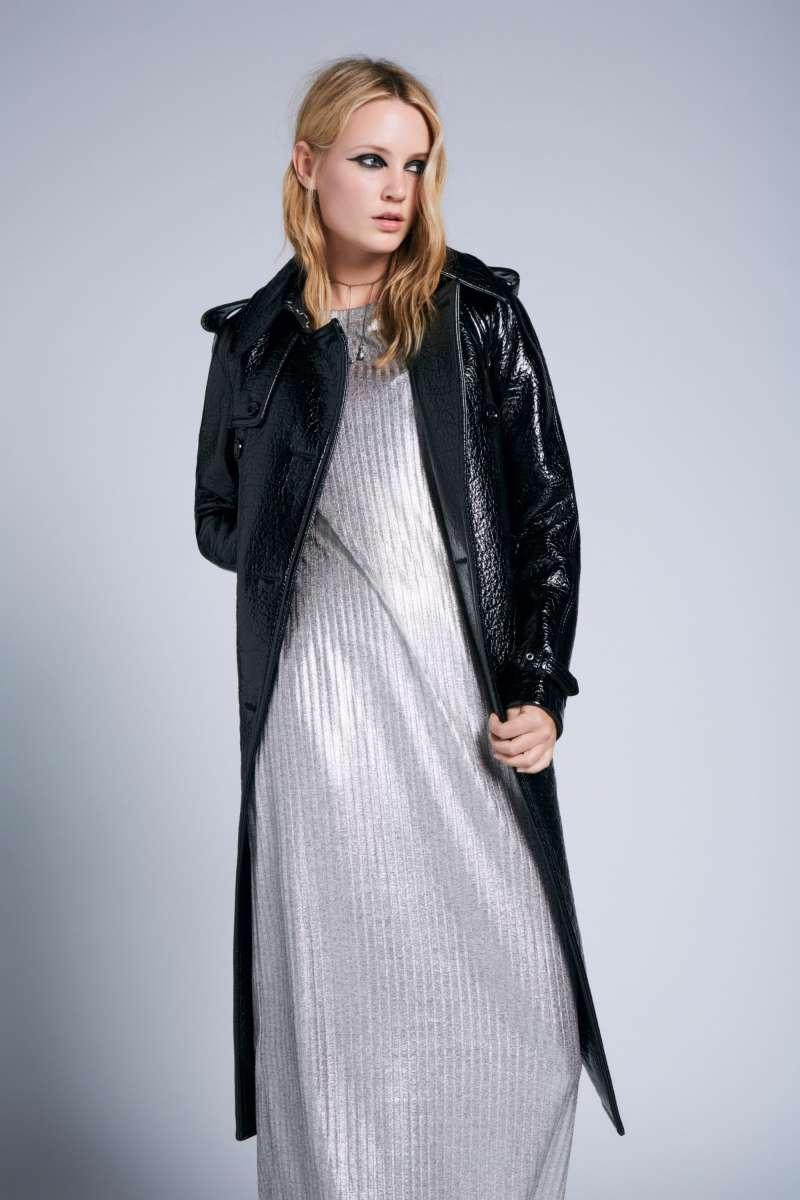 דיזל שמלה 690שח, מעיל 2700שח צילום קמילה סימון להשיג בחנויות המותג