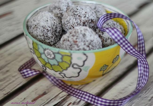 כדורי תמרים ותפוחים של מירב מלמד (צילום: מירב מלמד)