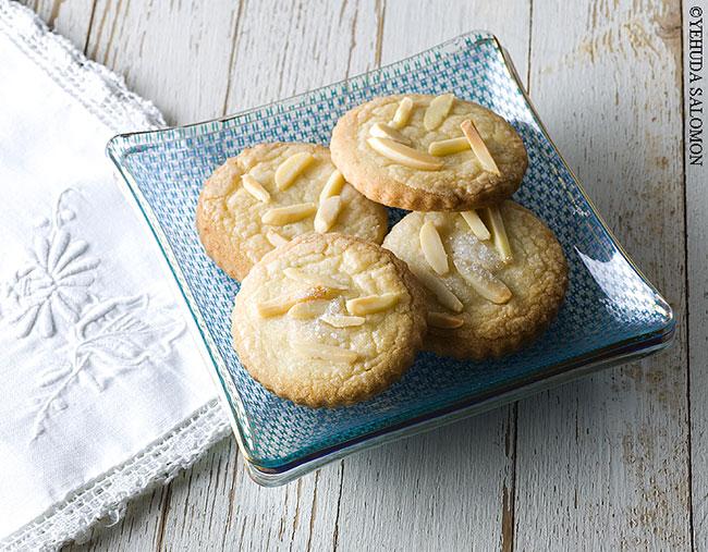 עוגיות שקדים של דנית סלומון. צילום: יהודה סלומון