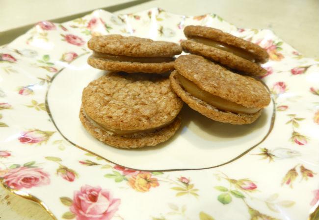 עוגיות לוטוס סנדוויץ (צילום: שרון סער)