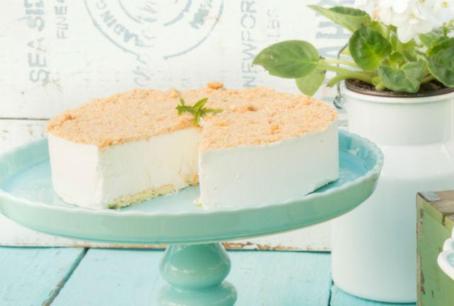 שבועות עוגת גבינה פירורים בוטיק סנטרל. צילום: הדס ניצן