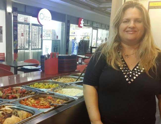 נגה ממסעדת צ'יק צ'אק צ'יקן. צילום מהאלבום הפרטי