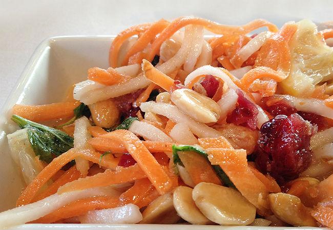 סלט ירקות שורש מתוק (צילום: אלונה זוהר)