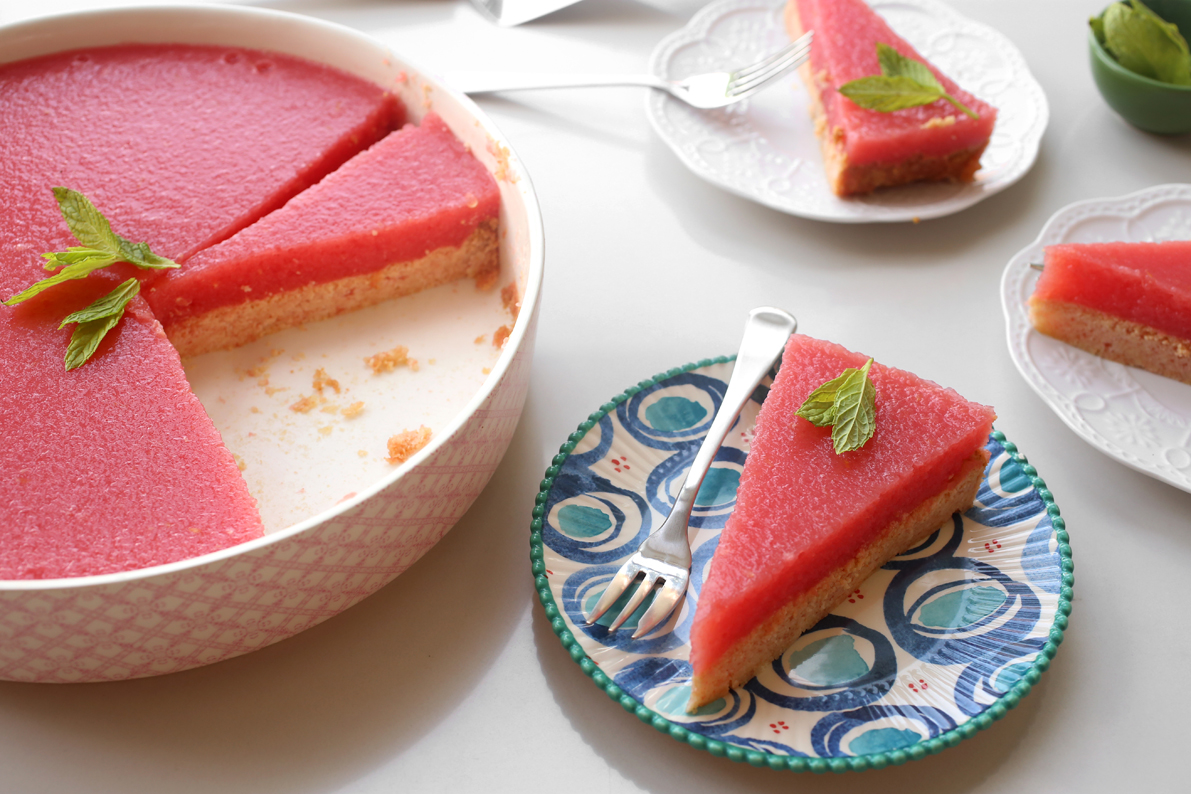 """עוגת אבטיח. מתוך הבלוג """"אז מה את עושה כל היום"""" של אפרת ליכטנשטט"""