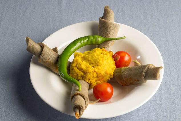 לחם הטף, הבסיס של האוכל האתיופי, עשיר בברזל ואין בו כל גלוטן (צילום: אסצ'לאו מתקו, גדעון אגז', אברהם מששה)