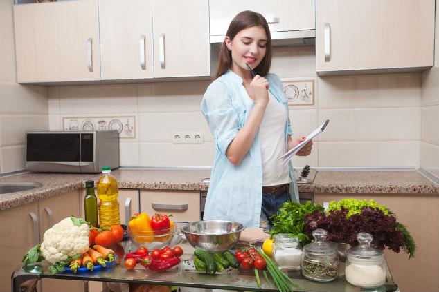 תכנון, קיצורים ותיבול – הסוד להחזרת הכיף למטבח (צילום: שאטרסטוק)
