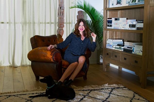 רונית יודקביץ מרצה ומתארחת באירוע אינהאוס