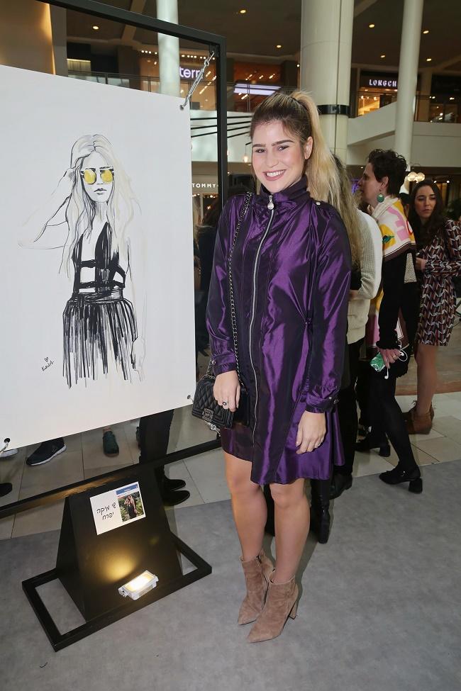 קניון רמת אביב תערוכת איורי אופנה של קוקטית. צילום שוקה כהן (91)