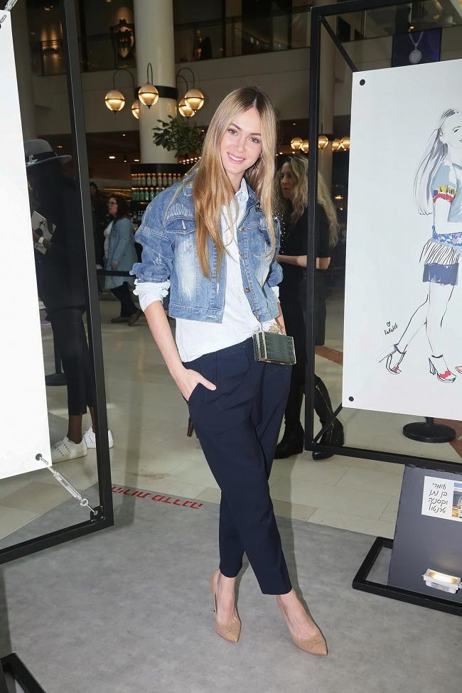 קניון רמת אביב תערוכת איורי אופנה של קוקטית. צילום שוקה כהן (366)