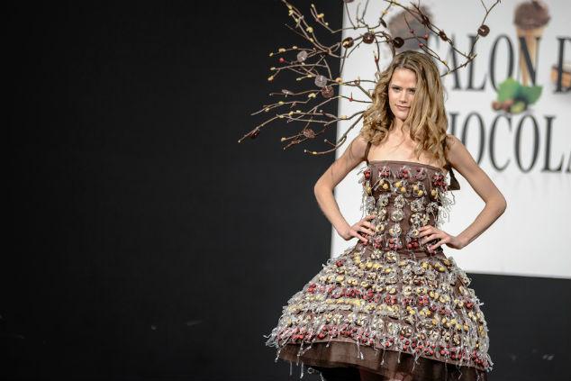תצוגת אופנה Salon du Chocolate מתארחת בפסטיבל השוקולד בבריסל (צילום: שאטרסטוק)