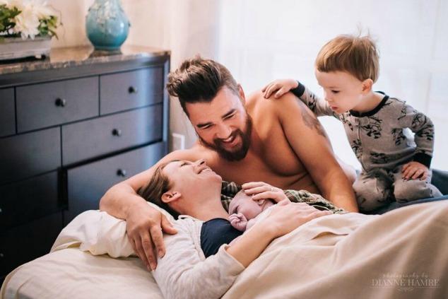 צילומי לידה רגע הלידה