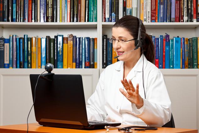טיפול דרך האינטרנט (צילום: שאטרסטוק)
