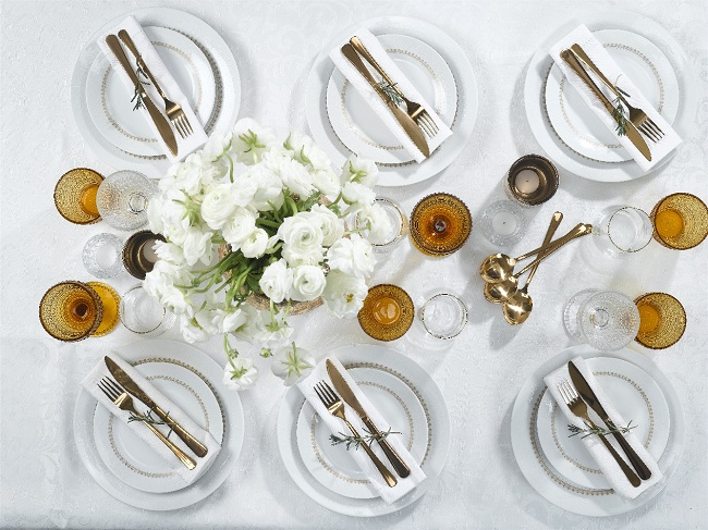 3_shupersal_passover_table_design