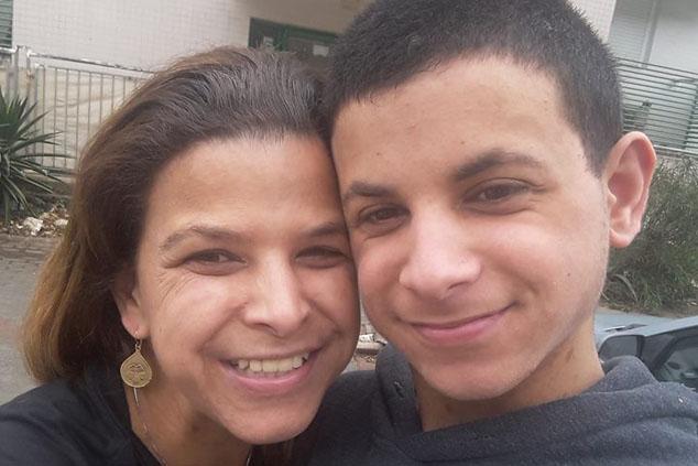 שירה דביר ובנה (צילום: אלבום משפחתי)