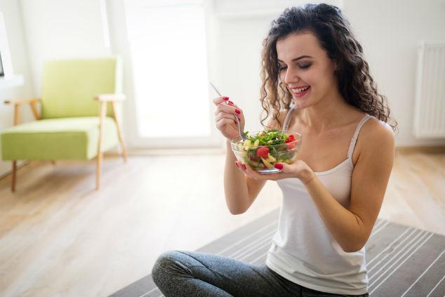 לא לאכול אוטומטית, לחשוב לפני ותוך כדי לא להצטער אחר כך (צילום: שאטרסטוק)