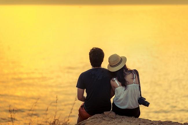 שקיעה בים, רגע מושלם לדרינק אביבי (צילום: Shutterstock)