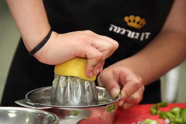 בקייטנה הילדים לומדים על בישול מא' ועד ת' (צילום: דן גורמה)