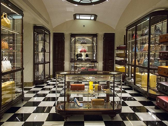 צילום יחצ סולו איטליה- חנות פראדה (3)