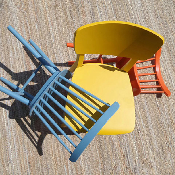 COLOR WOOD CHAIRS