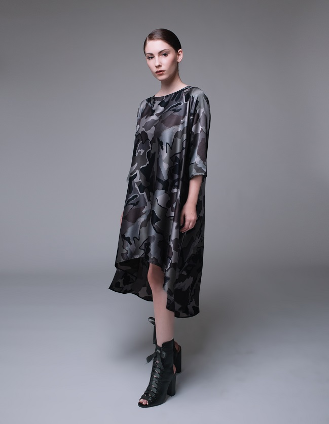 ברק להב - שמלה מודפסת 520 במקום 699 - צילום רותם לבל
