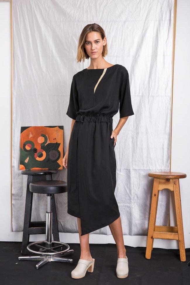 SID שמלת מעטפת מחיר לפני 780 ומחיר אחרי 660 שם צלם דור שרון
