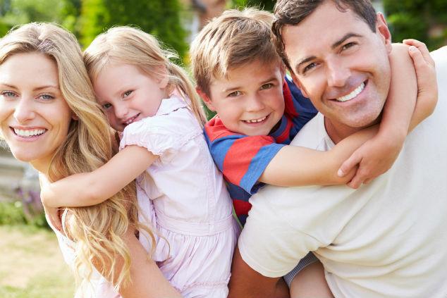 משפחה ביחד שמחה