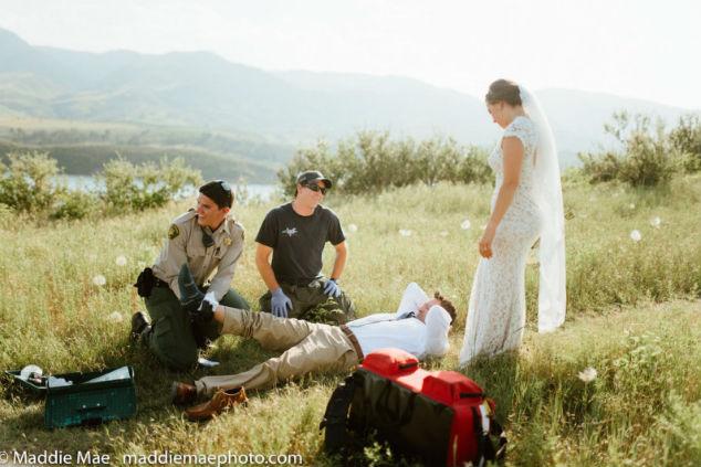 חתן וכלה ונחש בשדות צילום מאדי מיי