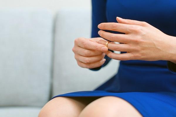 לא סתם אומרים על עמית שאם לחצת לו יד כדאי שתבדוק שהוא לא גנב לך אצבע (צילום shutterstock)