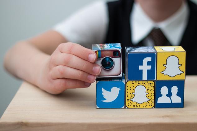 לאיזה מידע חשופים ילדים ברשתות החברתיות? (צילום: AlesiaKan/שאטרסטוק)