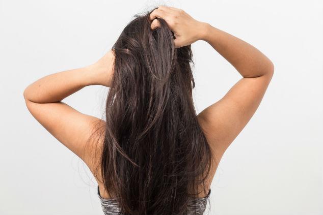 shutterstock_530886328-shampoo