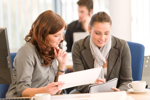 נשים בעבודה (צילום: שאטרסטוק / CandyBox Images)