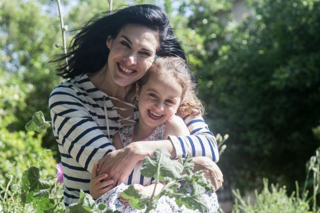 מאיה גז ובתה צילום: גילי חן