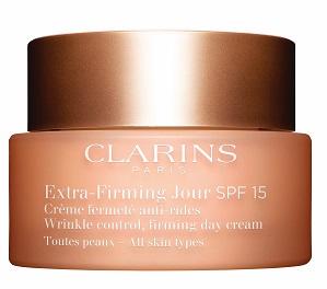 קלרינס קרם יום אקסטרה פירמינג לכל סוגי העור עם SPF15 435שח צילום יחצ