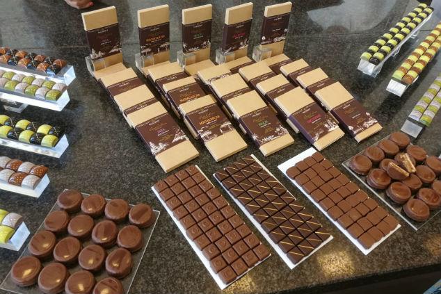 כל סוגי השוקולד נפלאים, אבל לי יש חולשה לשוקולד חלב – נטע מתוודה (צילום: נטע מולה סופר)