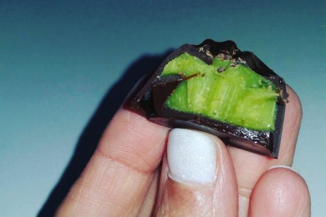 מגוון הטעמים בשוקולד לא נגמר, פרלין פיסטשיו של נטע (צילום: נטע מולה סופר)