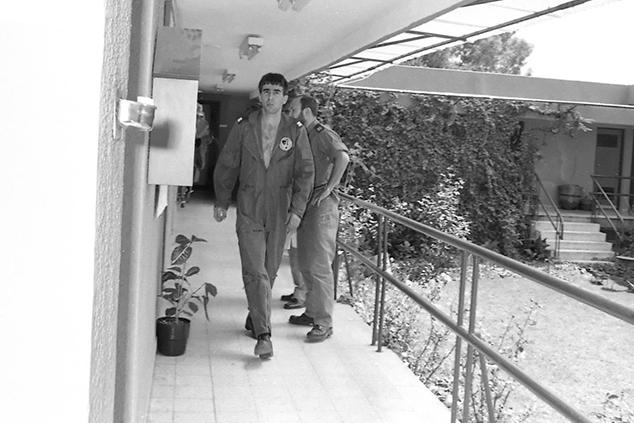 """רון ארד בתקופת שירותו הצבאי (דובר צה""""ל)"""